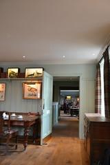 Loch Lomond Arms hotel (Lakuda-san) Tags: hotel scotland lochlomond ecosse luss lochlomondarmshotel