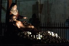 Piedad (Zamora) (Juan P. Aparicio) Tags: sculpture espaa spain escultura zamora piedad semanasanta holyweek piet