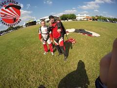 G0071005 (So Paulo Paraquedismo) Tags: skydive tandem freefall voo paraquedas quedalivre adrenalina saltar paraquedismo emocao saltoduplo saopauloparaquedismo