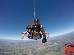 G0090129 (So Paulo Paraquedismo) Tags: skydive tandem freefall voo paraquedas quedalivre adrenalina saltar paraquedismo emocao saltoduplo saopauloparaquedismo