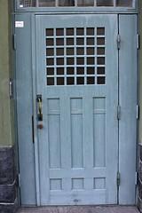 IMG_0028 (www.ilkkajukarainen.fi) Tags: helsinki finland visithelsinki eira jugend jugendhelsinki door antique old art nouveau