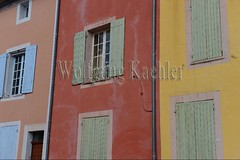 40080036 (wolfgangkaehler) Tags: windows france detail window french colorful europe european village architecturaldetail villages provence luberon roussillon vaucluse villagescene 2016 colorfulhouses provencealpescotedazur colorfularchitecture