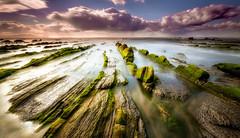 Barrika (Alfredo.Ruiz) Tags: canon mar playa nubes barrika ef1740 eos6d