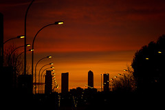 Cielo Rojo Encendido (CAUT) Tags: winter light sunset sky espaa color luz silhouette atardecer twilight spain nikon dusk january enero cielo invierno silueta mad crepusculo anochecer 2016 d610 lemd caut madridbarajas nikond610