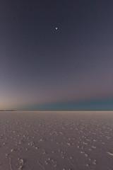 Salar d'Uyuni jour et nuit 12 (__Alex___) Tags: voyage travel blue moon nature night lune canon landscape view purple desert wide bolivia ciel 5d sel paysage salar sal discover uyuni bolivie 1635mm 1635f4is