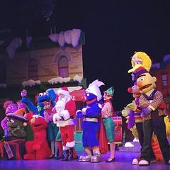 "Sesame Street Saves Christmas"" musical... (lclek) Tags: singapore musical sesamestreet universalstudios pantagestheatre uploaded:by=flickstagram sesamestreetsaveschristmas instagram:photo=11370227990970164201333243"