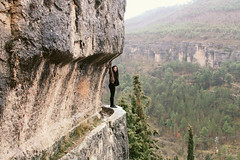 (Biancabltran) Tags: travel espaa naturaleza selfportrait verde nature canon landscape climb spain europe adventure wonderland cuenca beuty gooutside wonderlust
