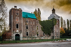 Emerald roof. (ericbaygon) Tags: brick nikon belgique belgie brique chateau manor hdr castel farciennes d300s