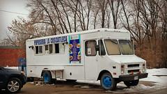 La Cuscatleca Pupusa Truck (Tyrgyzistan) Tags: truck tacos elsalvador desmoines pupuseria pupusas centraliowa salvadoranfood iowafood trendyfoodtruck melsalvador east14thstdesmoines
