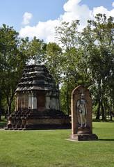 _GRL7672 (TC Yuen) Tags: architecture thailand ruins asia southeastasia buddha unesco worldheritage norththailand ancientcapital