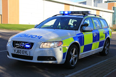 South Yorkshire Police Volvo V70 D5 Armed Response Vehicle (PFB-999) Tags: car volvo estate south yorkshire police vehicle leds hull touring d5 grilles response unit firearms armed v70 lightbar syp arv fendoffs yj60eyl