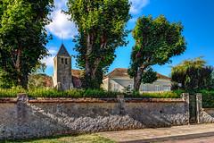Vernou-la-Celle-sur-Seine. (gilles_t75) Tags: d5300 france gillest hdr nikkor1855mmf3556 nikon bracketing highdynamicrange photohdr photomatix tonemapping vernoulacellesurseine seineetmarne77 îledefrance église clocher mur arbre exposurefusion