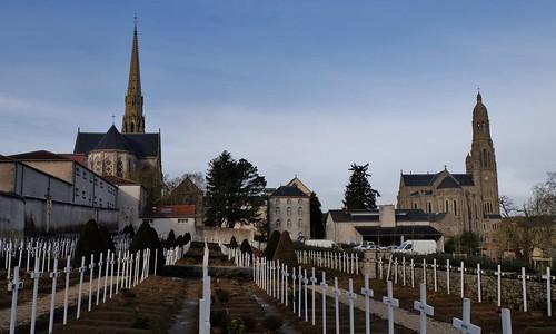 Saint Laurent sur Sevre, Communauté de la Sagesse et basilique sainte Marie