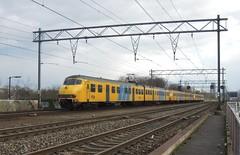Eindhoven, sprinter naar Tilburg Universiteit (Ahrend01) Tags: plan eindhoven v strijps beukenlaan nshalte