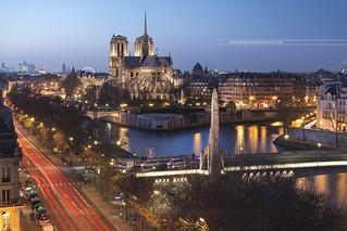 Blue Hour sur Notre (Belle) Dame de Paris // Paris
