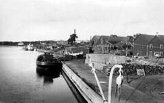 Selkirk - Docks, 1921 (vintage.winnipeg) Tags: canada history vintage historic manitoba selkirk ruralmanitoba