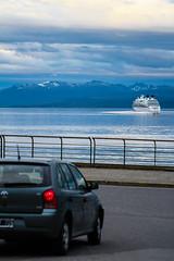 Auto y Barco (gus926gl) Tags: auto city travel viaje blue patagonia beach water argentina car azul canon ushuaia mar agua holidays barco ciudad playa 100mm vacaciones bote t3i