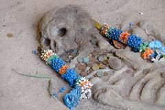 Cave man 4 (gbauer211) Tags: man thailand tomb bones cave grab krabi hhle archeologie knochen ausgrabung steinzeit langrongrien gebeine