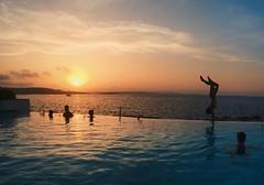 Caf del Mar, Malta (jonmokoroa) Tags: sunset sea summer sun seascape water pool coast malta piscina verano puestadesol infinitypool beachclub