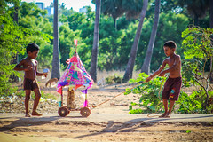 ( ) Small Chariot (VENGAT SIVA) Tags: playing boys rural village god traditional ngc streetphotography devotional tamil tamilnadu pondicherry roi indianstreetphotography aattam devotte rootsofindia aadukalam wikipidea