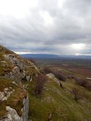 Valley (aleta.weber) Tags: sky cloud mountain tree green rock grey view hill himmel wolken kosovo balkans aussicht weite baum tal vastness pristina pristine