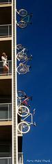 Grimper le mur ... ( P-A) Tags: architecture photos vision bizarre magicmoments ville dcoration vlos urbain trange extravagant appartements intressant diffrent rueeddy inusite simpa grimperlemur gatineauhullqc