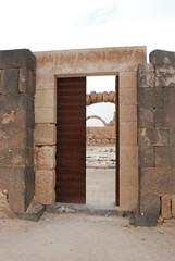 Qasr Hallabat - Umayyad Palace (jrozwado) Tags: door museum asia jordan islamic umayyad desertcastle umayyadpalace الأموي الأردنّ hallabat qasralhallabat قصرالحلابات حلالبات القصالأموي