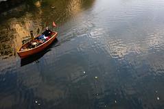 Quand deux passions se rencontrent... (paninho) Tags: france water eau bateaux reflets marins