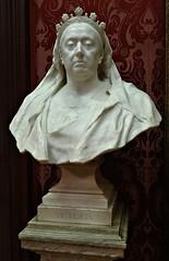 [41276] Liverpool - Walker Art Gallery : Queen Victoria (Budby) Tags: sculpture liverpool merseyside walkerartgallery