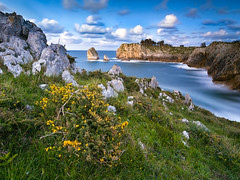 Hells Cliffs (bertigarcas) Tags: longexposure sunset sea espaa seascape marina landscape atardecer mar asturias paisaje olympus cliffs zuiko acantilado omd haida ribadesella 918 largaexposicion 1000x em5