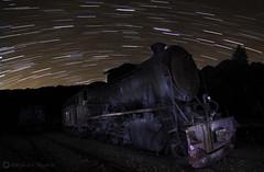 locomotora rio tinto startratil final (alexgsf) Tags: light rio canon painting tren eos minas nocturna locomotora larga tinto ferrocarril fotografa exposicin startrail circumpolar 650d