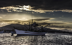 Mar Muda - RL (Felipe Trein) Tags: sunset pordosol praia barco santacatarina pesca pescador
