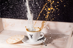 Kaffeesplash (michael_marciniak_mm) Tags: cup tasse coffee milk kaffee drop espresso splash highspeed tropfen milch fujixt1