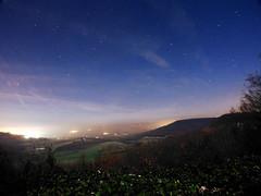 Valle colore de nuit (wishima) Tags: sky night stars hill champs ciel paysage campagne extrieur nuit nocturne champ colline toiles vale