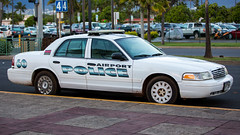 Maui Airport Police Ford Crown Victoria (Rami Khanna-Prade) Tags: usa ford airport cops unitedstatesofamerica 911 police maui victoria crown mauiairportpolicefordcrownvictoria