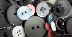 DIY (Sous l'Oeil de Sylvie) Tags: macro colors diy pentax couleurs buttons janvier ks2 2016 boutons crativit rapproch 90mmtamron sousloeildesylvie