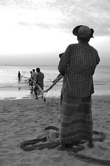 (Poulbot75) Tags: travel beach fishermen trincomalee nilaveli