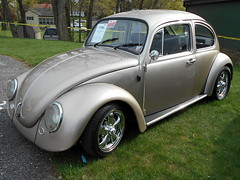1969 Volkswagen Beetle (splattergraphics) Tags: 1969 vw volkswagen beetle carlisle carshow carlislepa volksrod springcarlisle