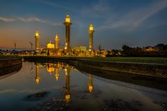 tengku ampuan jemaah mosque (gilbertchuachian_siong) Tags: sunset reflection prayer mosque masjid bukit selangor shah alam jelutong