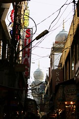 #canonphotography #busycrowdedstreet #tombs #hyderabad (prakhar007fly) Tags: hyderabad tombs canonphotography busycrowdedstreet