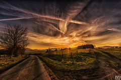 Sonnenuntergang im Sauerland #2 (JvD_Photographie) Tags: light sunset sky cloud sun nature skyline sunrise canon germany landscape spring sony country stunning nrw landschaft cloudporn frhling sauerland weitwinkel nicepic sonyalpha a7r canon1635