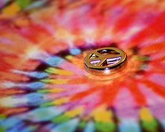 Peace (AuntNett) Tags: macro sign nikon peace hippie psychedelic peacesign tiedyed macromondays d7200 beginswiththeletterp