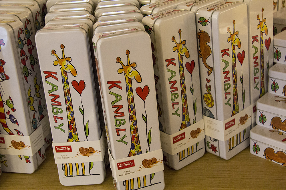 Kambly - Latinha com tema infantil de girafa