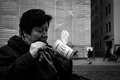 109/355 - Essen & Trinken / Food & Drink (Boris Thaser) Tags: street city people blackandwhite bw food woman cup coffee face project germany bayern deutschland bavaria essen gesicht flickr hand adult eating candid streetphotography kaffee scene menschen explore drinks stadt creativecommons photoaday mug sw 365 frau unposed trinken focused 32 projekt becher augsburg tog pictureaday concentrated szene 366 pedestrianzone konzentriert ungestellt schwarzweis project365 pedestrianprecinct strase querformat landscapeformat project366 erwachsener fokussiert fusgngerzone strasenfotografie streettog sonyrx100ii sonydscrx100ii zweisichtde zweisichtig