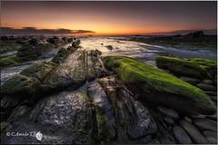 Primavera en Barrika (Caramad) Tags: light sunset sea espaa seascape luz marina mar agua rocks wave playa olas bizkaia euskalherria rocas landscap wate barrika marcantbrico