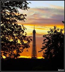 Paris, Sunset in Tuileries Garden (_&ri.co_) Tags: park sunset sky parco paris france tower tramonto nuvole colours torre nuvola tour eiffel cielo toureiffel tuileries colori francia parigi nikond3200 2013