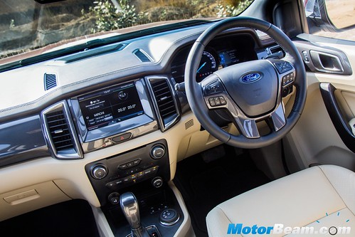 2016-Ford-Endeavour-6