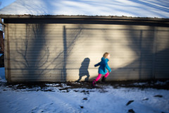 Play (trois petits oiseaux) Tags: blue winter color kids run freelensed