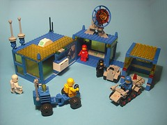 Lego Classic Space - MOC (Crimso Giger) Tags: lego space cs base moc classicspace groundstation
