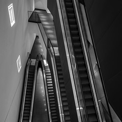 three levels (Blende1.8) Tags: urban 6x6 architecture modern square contemporary indoor moderne architektur nrw ruhrgebiet dortmund rolltreppe quadrat rolltreppen dortmunderu